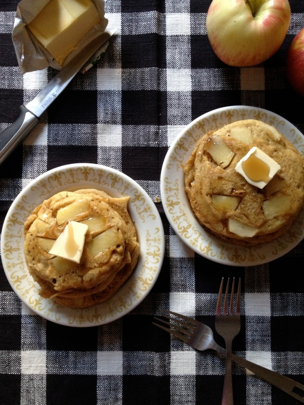 cornmeal-apple pancakes // batch-22
